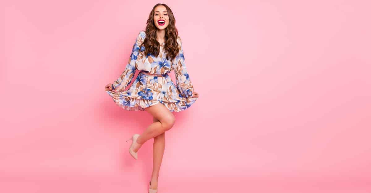 Aprenda como combinar o modelo de vestido com o calçado ideal